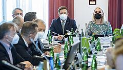 Sněmovna odsoudila exploze ve Vrběticích jako teroristický útok a podpořila vyhoštění ruských diplomatů