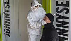 Epidemie dál slábne. V pondělí přibylo v Česku 121 případů covidu, o 55 méně než před týdnem