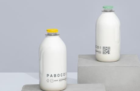 Nahradí papír plast? Designové firmy přicházejí s papírovými lahvemi