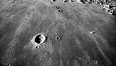 Průvodce měsíčními útvary přibližuje kouzlo lunární krajiny