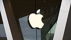 Technologický gigant Apple čelí v Británii žalobě kvůli cenám v obchodě App Store