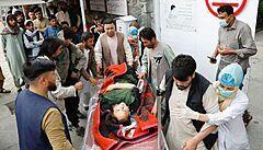 Okolí školy v Kábulu zasáhlo několik explozí, zemřelo nejméně 55 lidí, zraněných jsou desítky