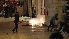 Slzný plyn i stovky zraněných. V Jeruzalémě se opět střetla izraelská policie s Palestinci