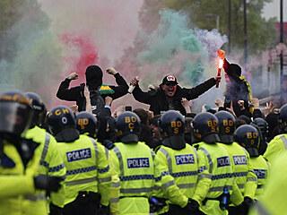 Také čtvrteční zápas anglické fotbalové ligy mezi Manchesterem United a...
