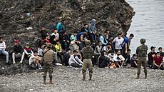 Příliv migrantů do španělské enklávy Ceuta výrazně zmírnil, napětí na hranici ale trvá