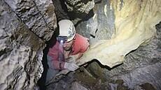 Jeskyňáři našli v Moravském krasu rozlehlý dóm plný krápníků. Trvalo dva roky, než se do něj prokopali