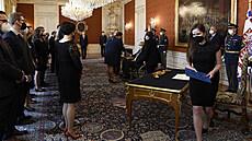 Zeman jmenoval pět desítek nových soudců. Poukázal na jejich platy, kritizoval, že ne vždy odpovídají výkonu