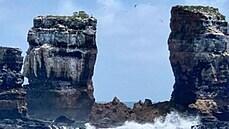 Ikonický skalní útvar je v troskách. Na Galapágách se zřítil slavný Darwinův oblouk