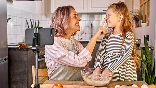 Pečení s dětmi je zábava. Přinášíme recepty, které je budou nejvíce bavit
