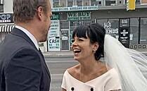 Čas skromných nevěst. Zkracují se výdaje i šaty a návrháři škrtají nuly u svých rób