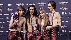 Eurovizi ovládli potřetí v historii Italové, vítězem se stala rocková skupina Maneskin