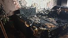 Na Sokolovsku hořel panelák, hasiči evakuovali desítky lidí. Likvidace plamenů netrvala dlouho