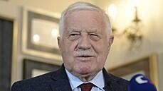 Klaus přerušil živý rozhovor v rádiu kvůli otázkám na údajnou půjčku Rusku, moderátora obvinil ze lži