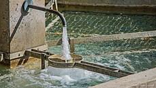 Sankce v praxi: Krymu před vyprahnutím pomáhají vodní čerpadla z Dánska