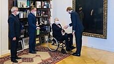 Zeman jmenoval staronovým ministrem zdravotnictví Vojtěcha. Oproti zvyklosti bez slavnostní ceremonie