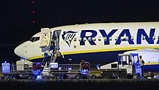 Nečekané přistání v Berlíně i zásah německé policie. V letadle Ryanairu mohla být bomba