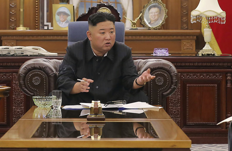 Kim Čong-un výrazně shodil na váze. Fotografie pohublého diktátora vyvolaly spekulace o jeho zdravotním stavu