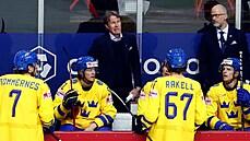 Dohání nás i Češi, trenér selhal hned při první zkoušce, říká švédský novinář po ostudě hokejistů na MS