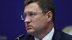Cena ropy stoupne na 200 dolarů za barel, pokud přestaneme investovat do těžby, varoval ruský ministr