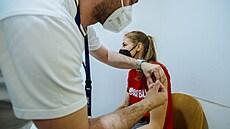 Cizinci si za očkování zaplatí, cena nepřesáhne 850 korun. Registrovat se mohou koncem týdne