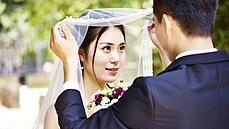 Čína vyhlásila válku rozvodům, páry budou muset přežít měsíc 'na vychladnutí'