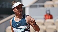 Tenistka Krejčíková otočila nepříznivý stav a zahraje si semifinále French Open