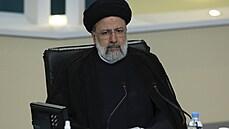 Během debaty kandidátů na íránského prezidenta létala obvinění ze zrady. Favoritem je konzervativní jestřáb