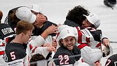Hokejisté Kanady se stali posedmadvacáté v historii mistry světa, v prodloužení zdolali tým Finska