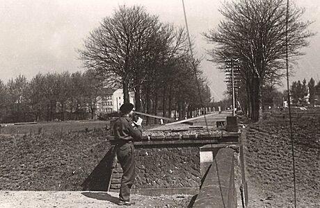 S kamerou v bojujícím Chebu. Nadporučík Miroslav Tiller dokumentoval osvobození vlasti