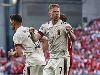 Kevin De Bruyne slaví gól proti Dánsku