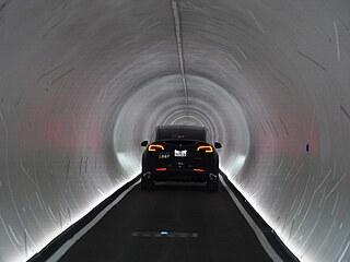 Pod záštitou Elona Muska byl v Las Vegas oficiálně otevřen nový tunel, který...