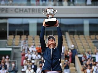 Barbora Krejčíková vyhrála Roland Garros a získala první grandslamový titul ve...