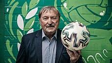 Ve fotbale jsou dnes nesmyslné peníze, ale na těle se podepíše, říká Antonín Panenka