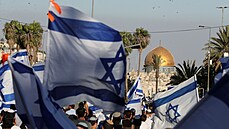 První test izraelské vlády. Pochod židovských nacionalistů proběhl v napjaté atmosféře, došlo jen k menším potyčkám