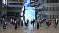 Ze summitu NATO zní podpora pro Česko a další státy zasažené ruskou aktivitou. Aliance se na ní lépe připraví