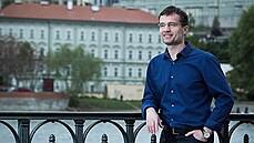 Šéfoval Rusnokově kanceláři, chtěl i kandidovat na prezidenta. V pouhých 48 letech zemřel Karel Štogl