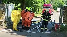 Dva lidé zemřeli v Plzni po úniku chemikálií v areálu firmy, která zpracovává tekuté kaly