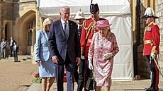 Britská královna se ve Windsoru sešla s Bidenovými na čaj. Prý se ptala na Putina a Si Ťin-pchinga