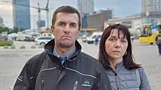 Budeme se rvát až do konce, říkají rodiče uneseného novináře Prataseviče. Všimli si modřin a stop po škrcení