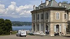 Biden a Putin se setkají v honosné vile s výhledem na Ženevské jezero. Prostor už střeží policisté a armáda