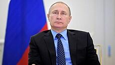 Macron a Merkelová chtějí uspořádat summit EU s Putinem. Ostatní země ale váhají