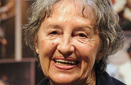 Zemřela herečka Nina Divíšková, bylo jí 84 let. Hrála v řadě filmů, proslavila se i jako dabérka