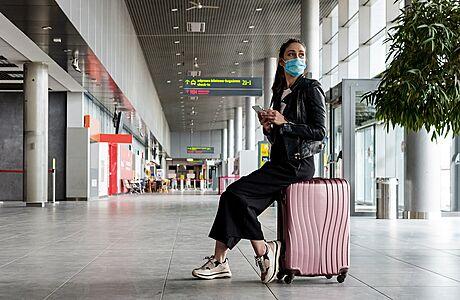 Cestovky zažívají rozkvět. Nahrává jim chaos ohledně pravidel a strach z nákladné léčby covidu