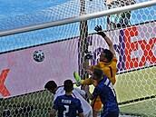VIDEO: Nejdřív chytil penaltu, pak předvedl šílený kiks. Tohle si budu dlouho vyčítat, smutní Dúbravka