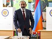 Vítězem voleb v Arménii se stal dosavadní premiér Pašinjan. Jeho oponent mluví o falšování výsledků