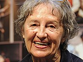 Zemřela herečka Nina Divíšková, bylo jí 84 let. Proslavila se jako babička v seriálu Vyprávěj
