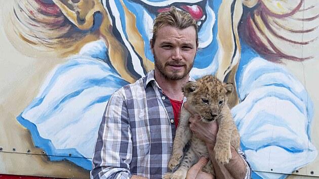 Za svá zvířata bych dýchal. Beru je jako členy rodiny, své děti, říká ředitel Cirkusu Humberto