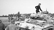 Dva boxeři v klinči. V prosinci 1941 získala sovětská strana na východní frontě strategickou iniciativu