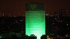 OBRAZEM: Britové vzpomínali na oběti tragického požáru v Grenfell Tower
