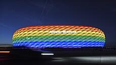 UEFA sklidila po zákazu duhového stadionu kritiku. Nyní ukázala své logo v barvách duhy